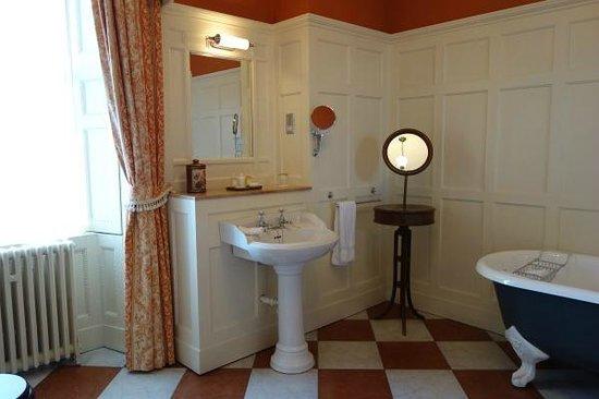 Glenapp Castle: Countess Inchcape bathroom