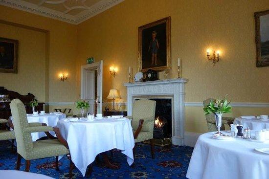 Glenapp Castle: Breakfast/lunch dining room.