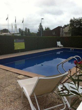 Ibis Styles Chalon sur Saone : pool at ibis styles