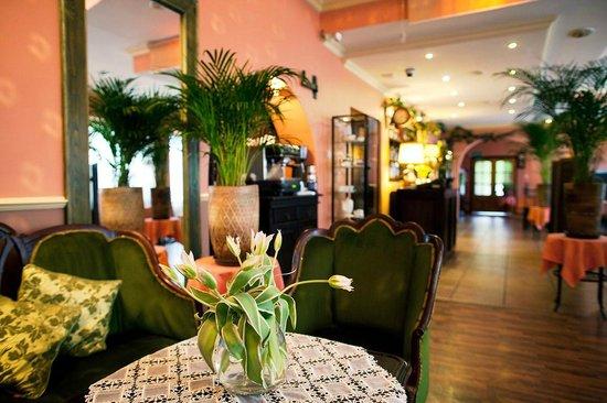 Piano Cafe Restaurant