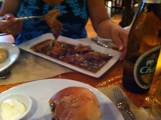 Aning Restaurant : Fresh water Prawns in Tamarind sauce
