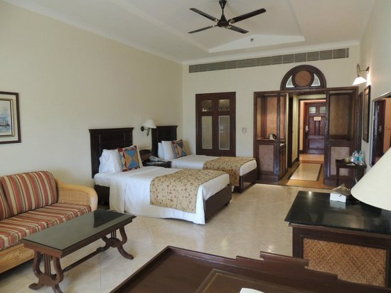 The LaLiT Golf & Spa Resort Goa: Room2