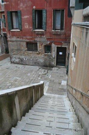 Locanda Ca' Amadi: Ca' Amadi courtyard.