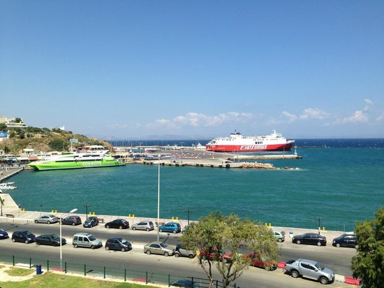 Hotel Avra Rafina : View of the Port from our room