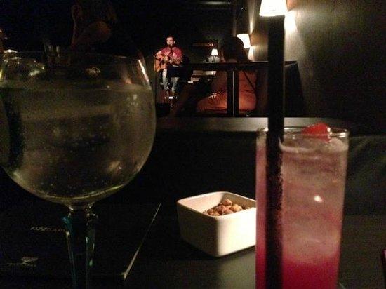 Gin Fizz Coctail Bar
