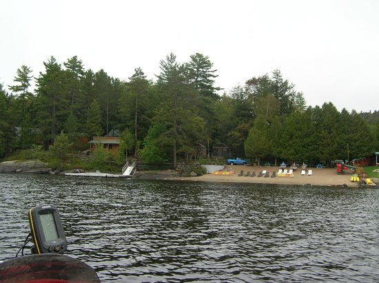 Motel Long Lake and Cottages: from boat