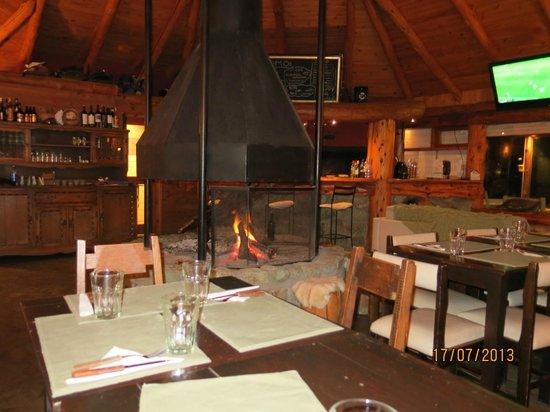 Los Nires Lodge Cerro Catedral: El Quincho