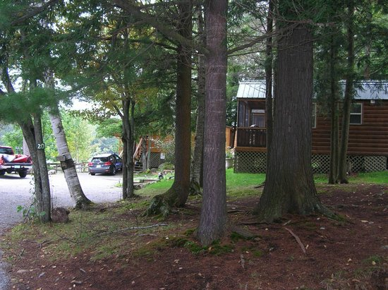 Motel Long Lake and Cottages: side of cabin #23