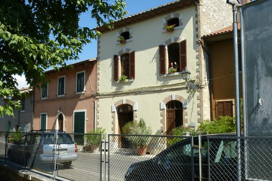 Agresta Bed and Breakfast: IN LONTANANZA