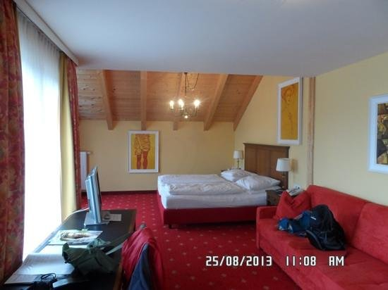 Hotel Karwendelhof: room 411, huge!