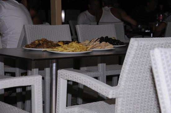 Strofades Beach Hotel: gyros
