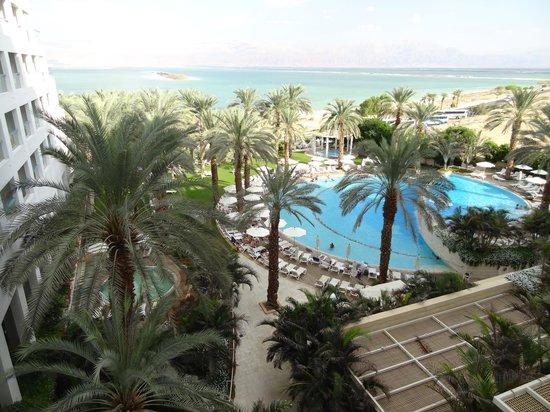 Isrotel Dead Sea Hotel & Spa: вид с балкона.