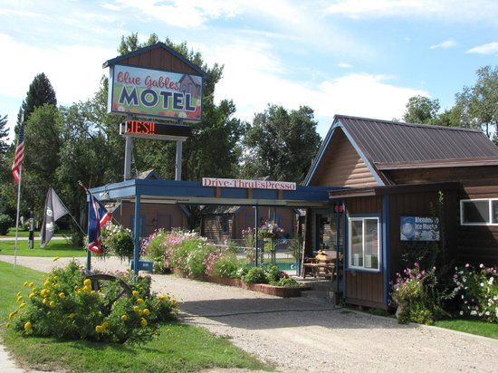 Blue Gables Motel: Front of Motel