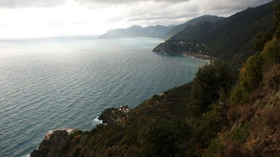 Trail 2: Four of the Cinque Terre towns in 1 photo!