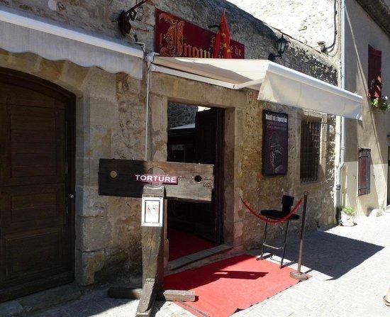 Le Musée de la Torture de Carcassone : l'entrée