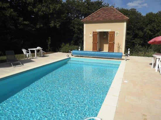 Cuzorn, France : Grande piscine