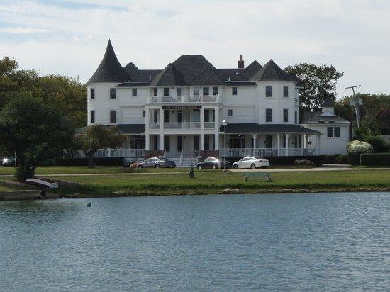 Hewitt Wellington: From across the lake