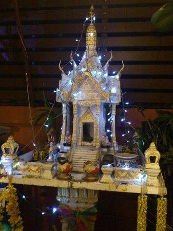 Chang Thai House: Templo de la recepción