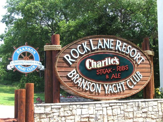 Rock Lane Resort and Marina : Entrance