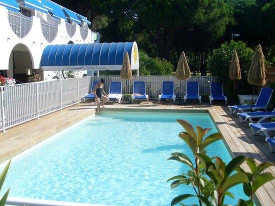 La piscine photo de hotel europe la grande motte for Piscine grande motte