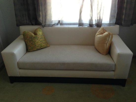 The Ritz-Carlton, Los Angeles : Sofa