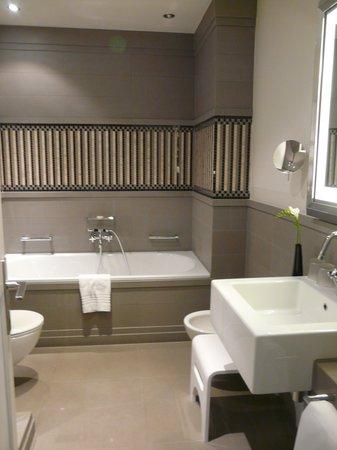 Hotel de Rome : Badezimmer