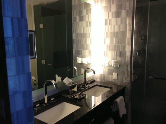 The Ritz-Carlton, Los Angeles: Sinks