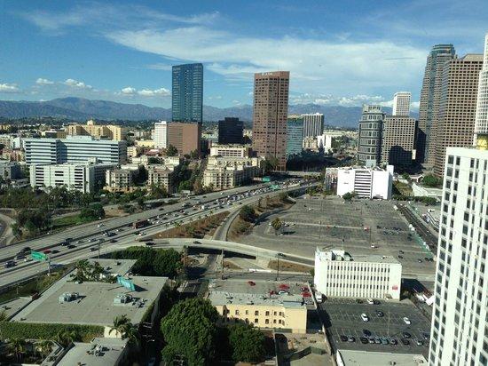 The Ritz-Carlton, Los Angeles: 110 Freeway