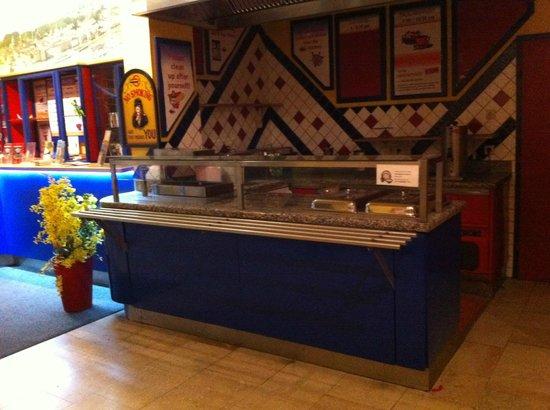 Yoho International Youth Hostel: Restaurant Cafe