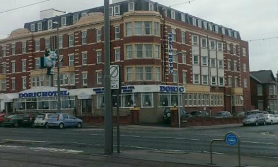 Doric Hotel: Hotel from over the road