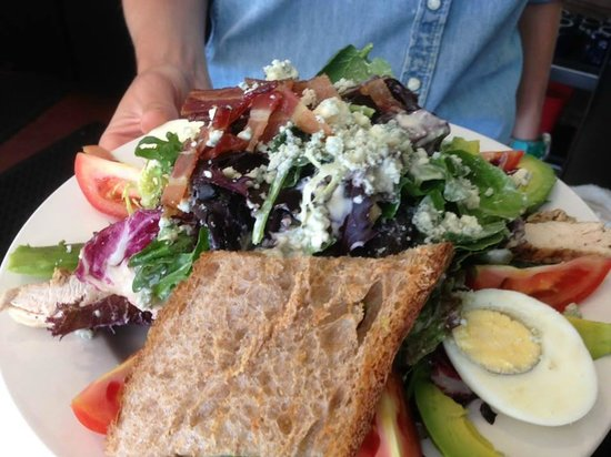 Dolores Park Cafe: cobb salad