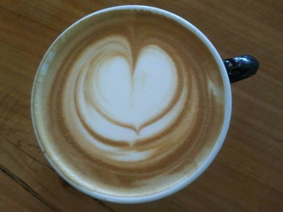 Dolores Park Cafe: latte