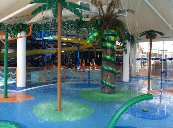 Indoor pool too picture of hopton holiday park haven - Hotels with swimming pools in norfolk ...