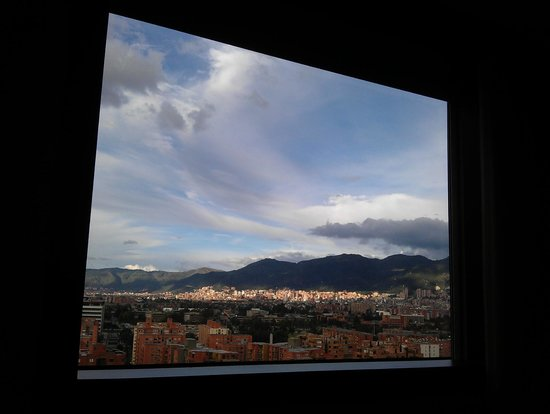 Radisson AR Hotel Bogota Airport: view sitting on my bed