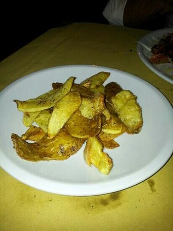 Piccolo Ranch Ostia Antica: buccie di patate fritte