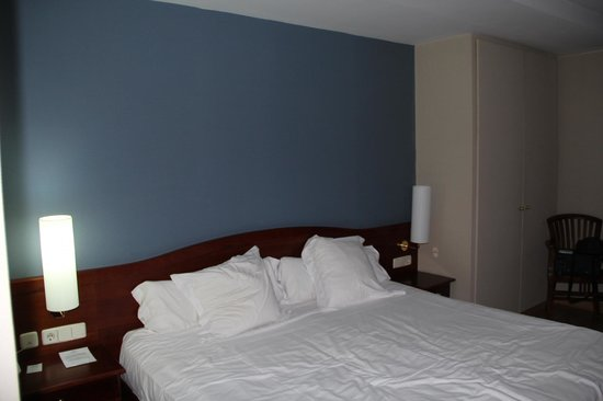 Pol & Grace Hotel: Il letto enorme!