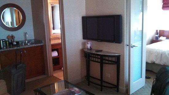 Omni Chicago Hotel: sitting area