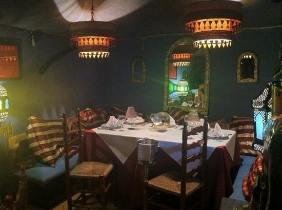 La Rosa del Desierto: جلسة بأخر المطعم