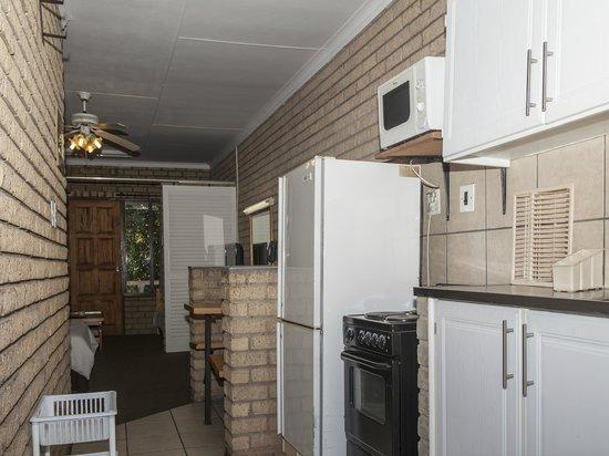 St. Lucia Safari Lodge: Self catering 4 Sleeper Kitchen
