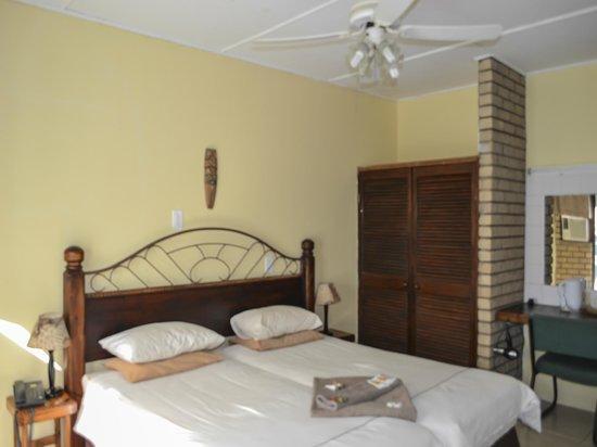 St. Lucia Safari Lodge: Bed and Breakfast Unit 15