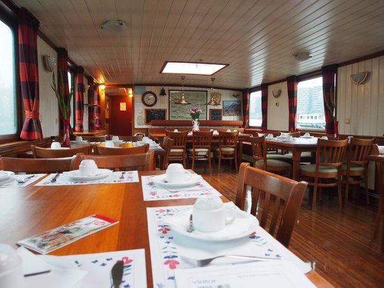 Amsterdam Hotelboat: Dining/Receiving Area