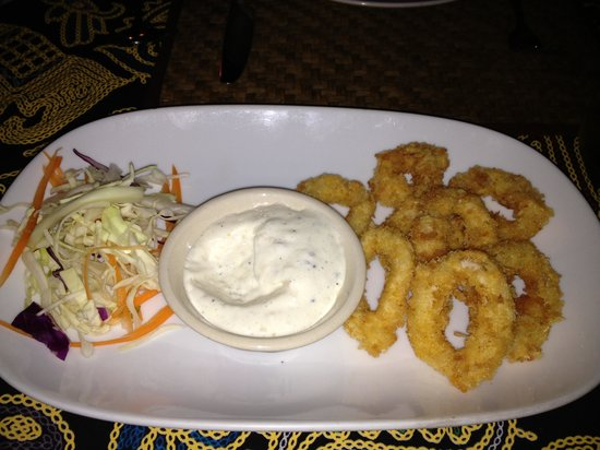 Shades Beach Restaurant & Wine Bar : calamari