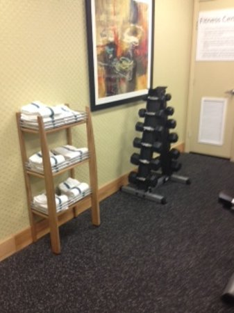 Holiday Inn Express Long Beach: Small but useful fitness center. I had it to myself every evening at 5ish