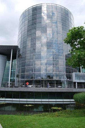 Die Gläserne Manufaktur von Volkswagen: VW Transparent Factory