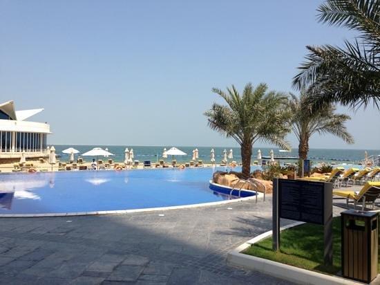 Pool & Meer Hilton Doha