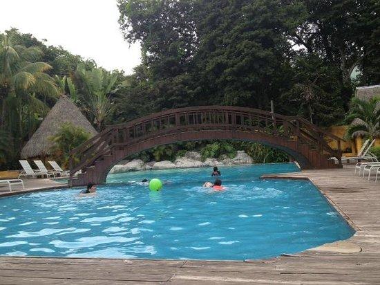 Hotel Chichaki: Area de la alberca
