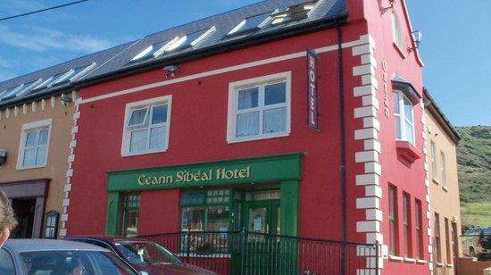 Ceann Sibeal Hotel: Ballyferriter lodging
