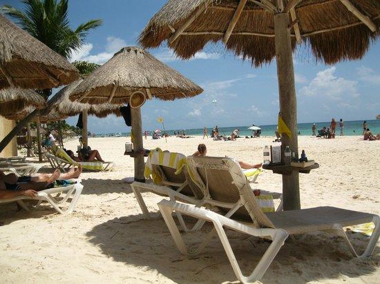Mahekal Beach Resort : view from my beach chair