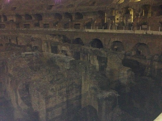 Rome Coliseum Guided Tours : Inside