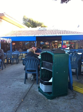 Andria's Seafood Restaurant : Open air dining